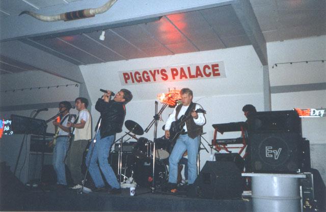 Piggys Palace 1996